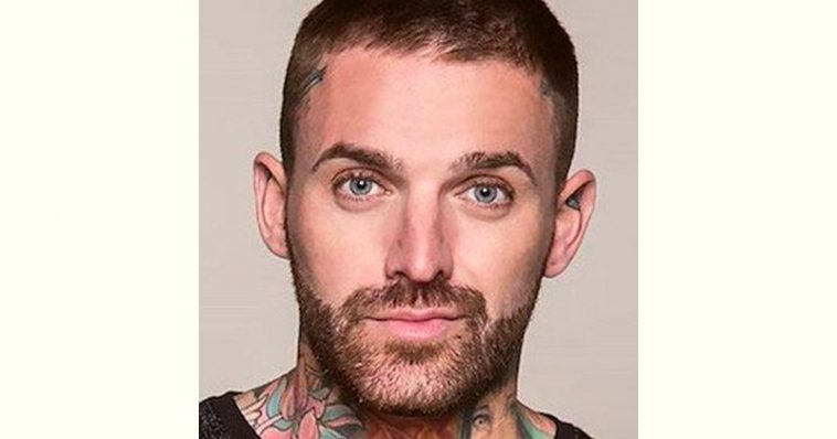 Aaron Chalmers Age and Birthday