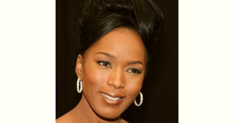 Angela Bassett Age and Birthday