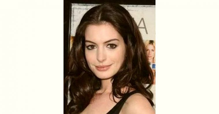 Anne Hathaway Age and Birthday