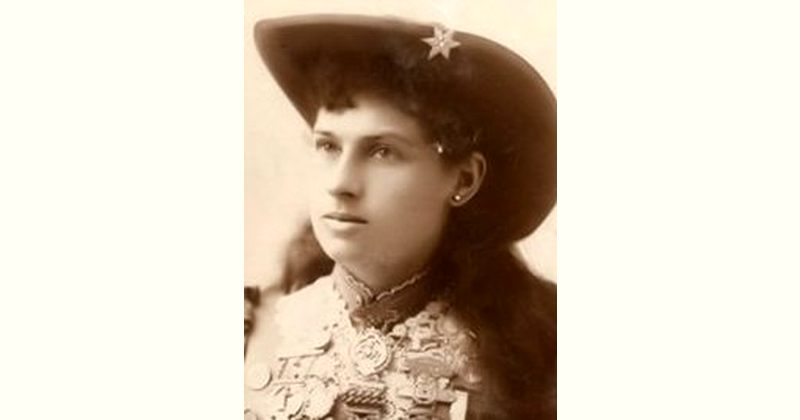 Annie Oakley Age and Birthday
