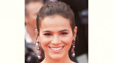Bruna Marquezine Age and Birthday