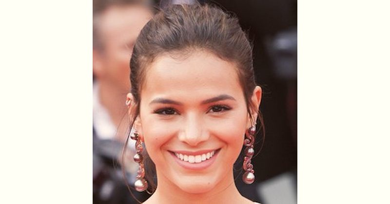 Bruna Marquezine Age and Birthday
