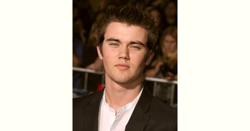 Cameron Bright Age and Birthday