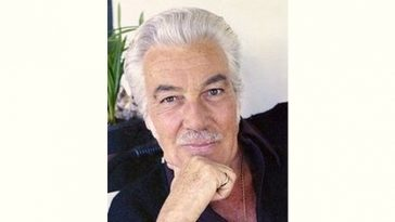Cesar Romero Age and Birthday