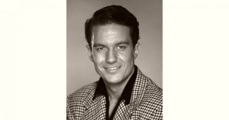 Cliff Robertson Age and Birthday