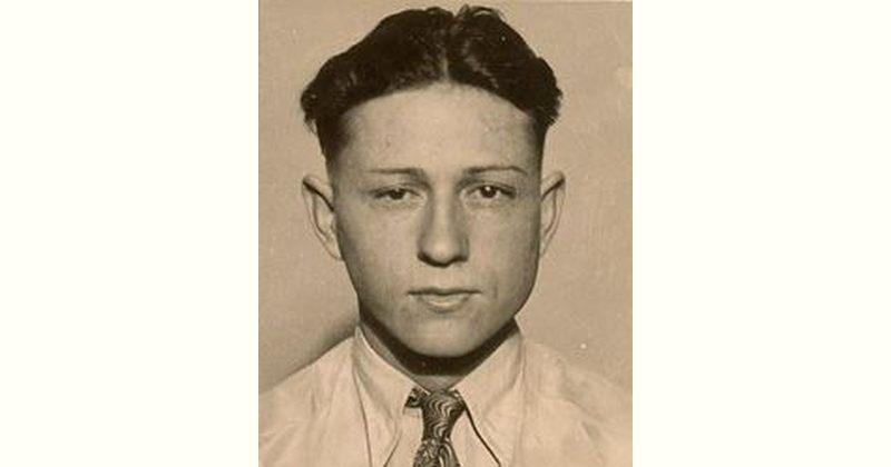 Clyde Barrow Age and Birthday