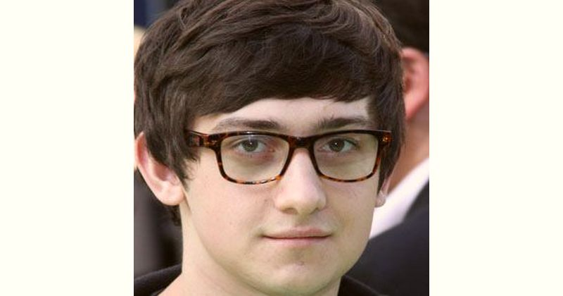 Craig Roberts Age and Birthday