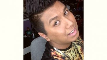 Dee Kosh Age and Birthday