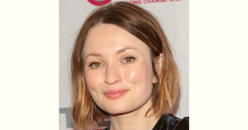 Emily Browning Age and Birthday