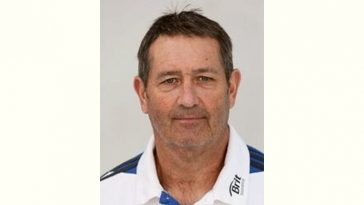 Graham Gooch Age and Birthday