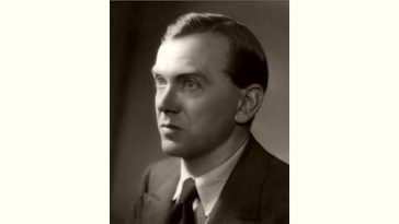 Graham Greene Age and Birthday