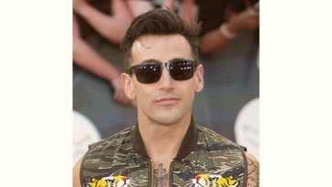 Jacob Hoggard Age and Birthday