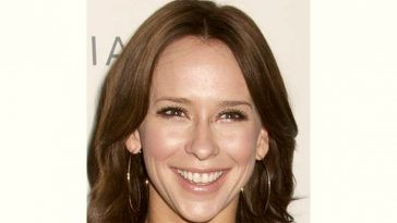 Jennifer Hewitt Age and Birthday