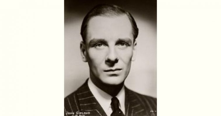 John Gielgud Age and Birthday