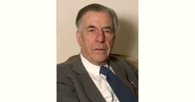 John Kenneth Galbraith Age and Birthday