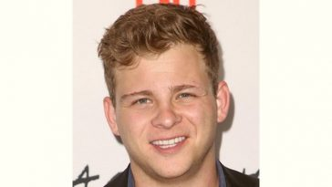 Jonathan Lipnicki Age and Birthday