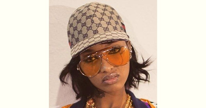 Lola Monroe Age and Birthday