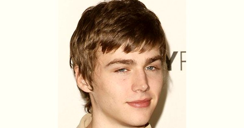 Miles Heizer Age and Birthday