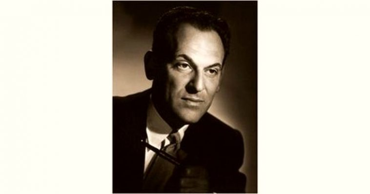 Moss Hart Age and Birthday