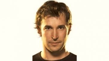 Noah Wyle Age and Birthday