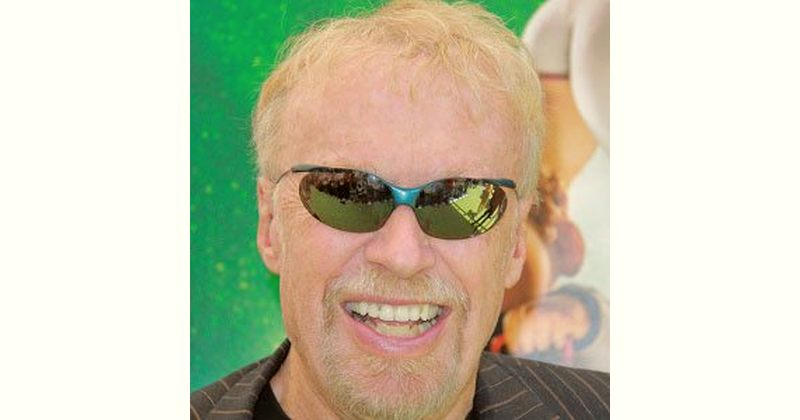 Phil Knight Age and Birthday