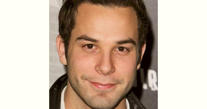 Skylar Astin Age and Birthday