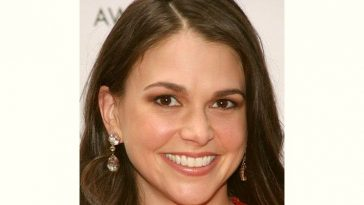 Sutton Foster Age and Birthday