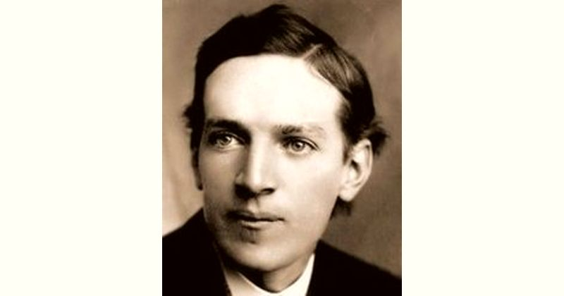Upton Sinclair Age and Birthday