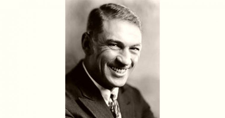 Victor McLaglen Age and Birthday