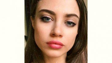 Xenia Tchoumitcheva Age and Birthday